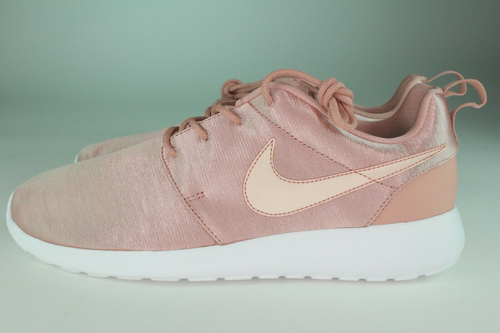 NIKE WOMEN'S ROSHE ONE PREMIUM SIZE 8.5 TO 10.0 RUST PINK NEW COMFORTABLE