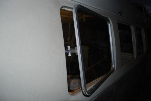 Poli Aluminium Pop Out Side Fenêtre Cadre et Verre VW T2 Split 1955-1967 C9090