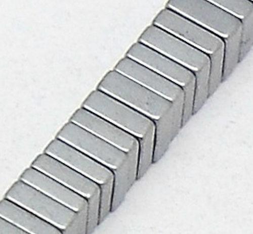 50 disques de Hématite Carré Argenté 4x4x1 mm Edel Spacer Bricolage Bijoux//143