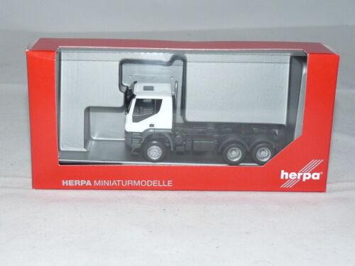 Bianco 1:87 NUOVO Herpa 310529 Iveco Trakker TRATTORE 6×6 OVP