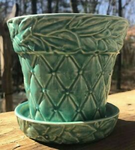 SIGNED VINTAGE McCOY  USA QUILTED w/ LEAVES PATTERN TURQUOISE  POTTERY  PLANTER