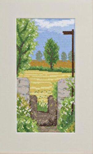 2890//0016 Twilleys Cross Stitch Kit Spring Walk