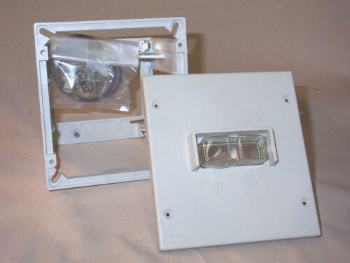 NIB SIEMENS 3VX4260-0D Flush mount enclosure