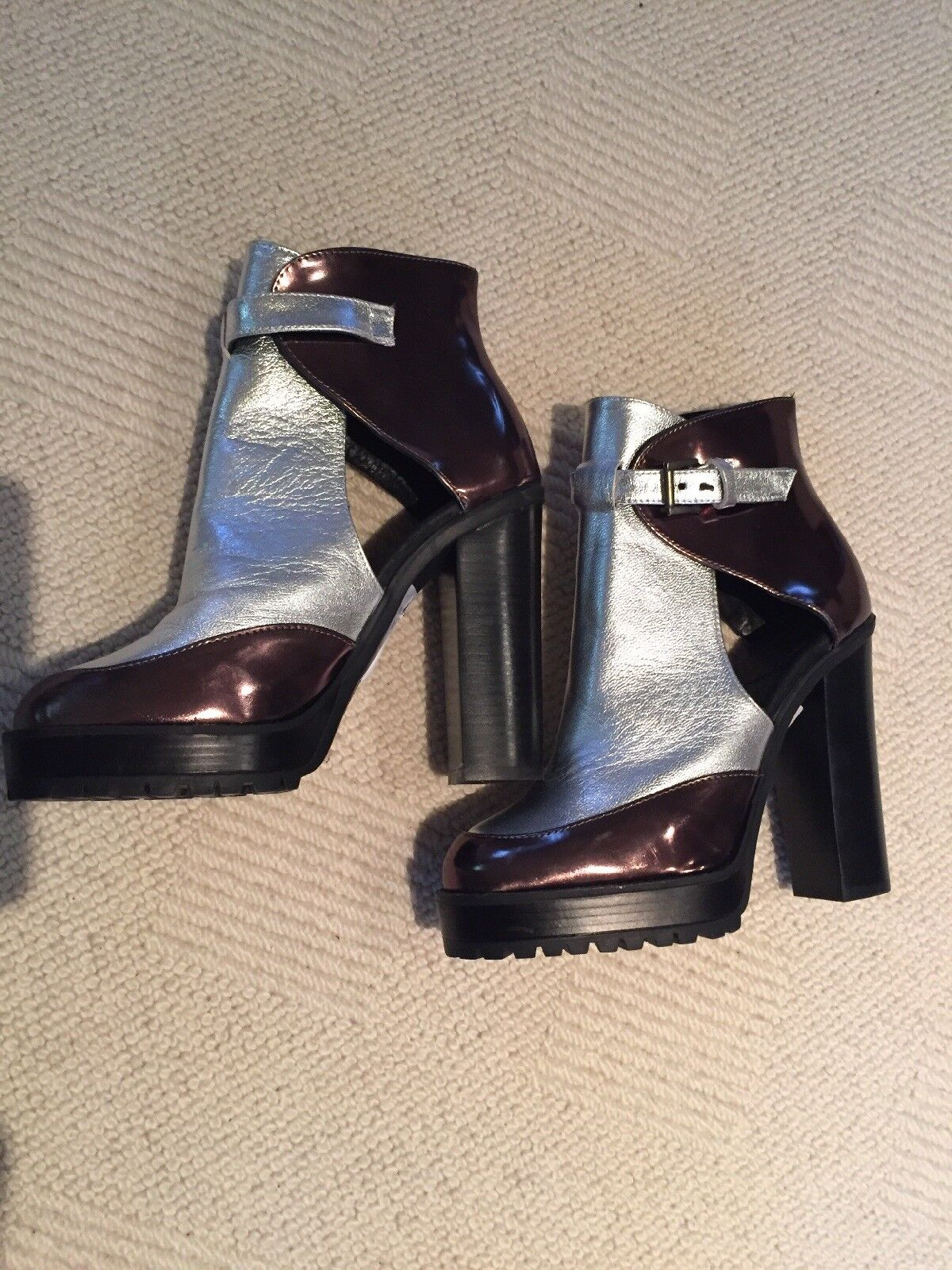 TopShop Schuhes Silver/Gunmetal Schuhes TopShop Größe 5 BNWT 269c28