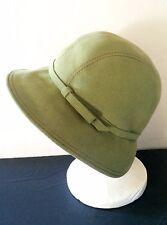 Vintage TONAK Cloche Flapper Hat | Green Felt Wool | Praha Prague Czech Republic