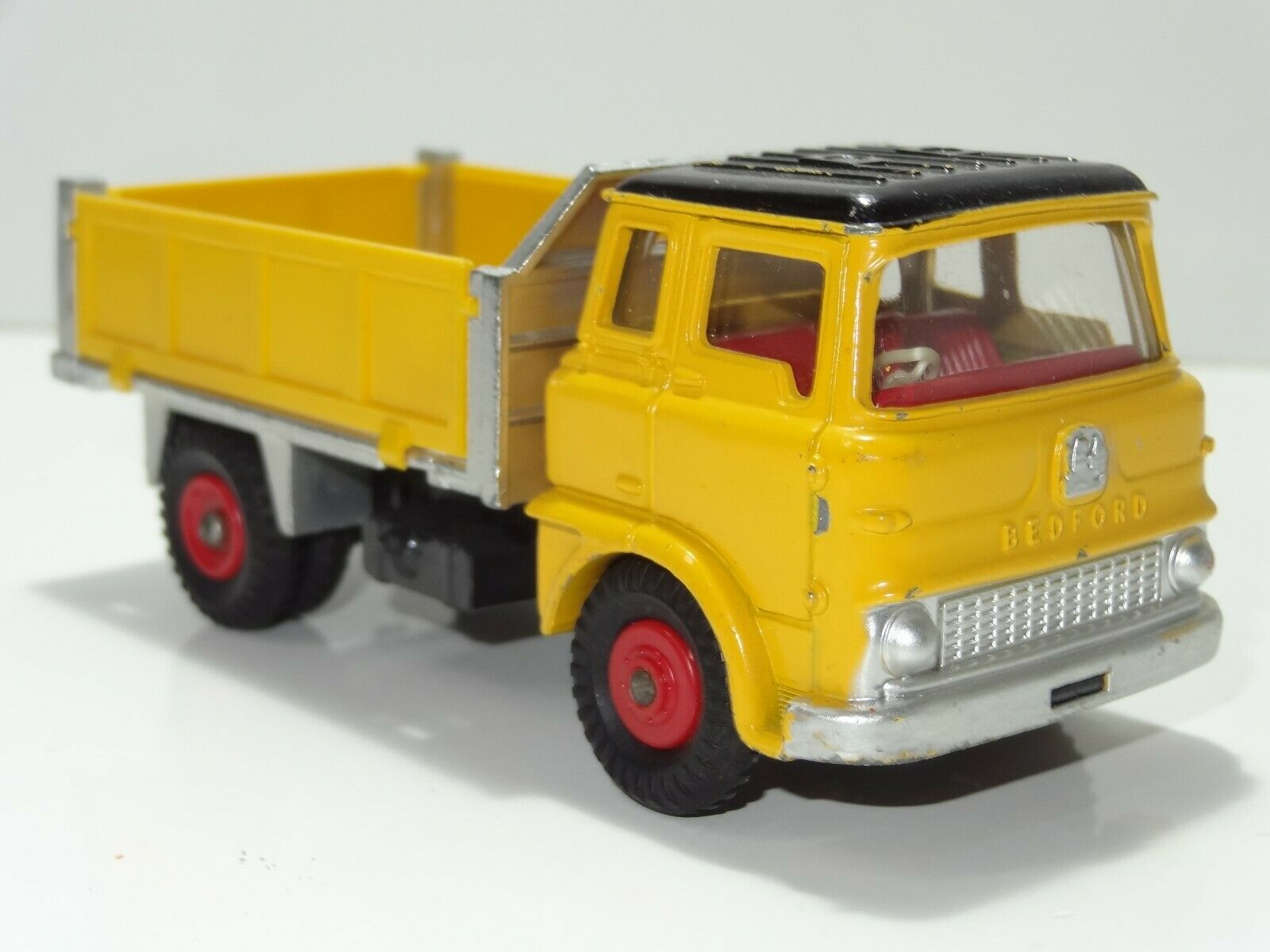 Dinky 435 BEDFORD TK TIPPER (270)