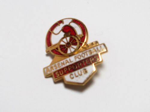 ARSENAL FC VINTAGE ENAMEL SUPPORTERS CLUB BADGE