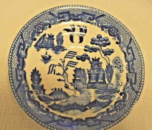 Vintage-Blue-Willow-Occupied-Japan-Saucer-Blue-and-White-1940-039-s-Tea-set