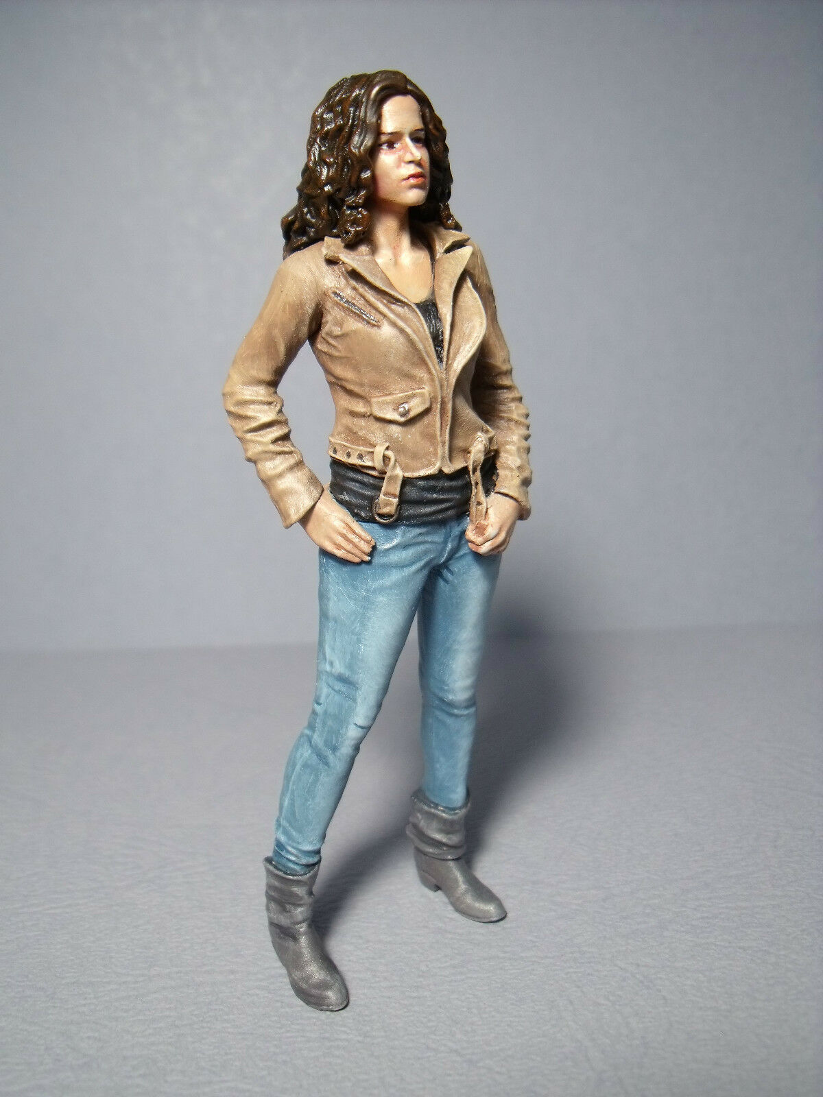 1 18  GIRL  FIGURE  FAST    AND  FURIOUS  LETTY  PAINTED  BY  VROOM  MINICHAMPS 626f96