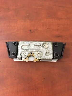 MACK 25165875 NEW OEM LH DOOR LATCH 9QX34M; CH MODELS CK CX MODELS