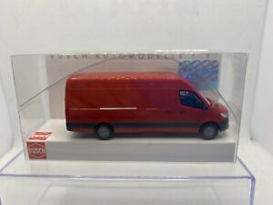 Busch 1:87 Mercedes Benz Sprinter Rot