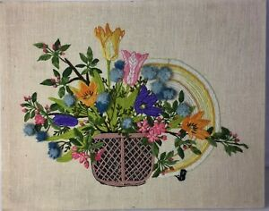 Vintage-Needle-Point-Hand-Embroidery-Yarn-Framed-Flower-Decor-Wall-Hanging-16x20