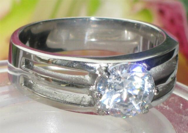 STR374W MENS OR WOMENS  8MM SOLITAIRE  SIMUALATED DIAMOND RING AAA GRADE