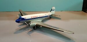 ERTL PIEDMONT DC-3 (WITH RETRACTABLE GEAR) 1:72ND SCALE DIECAST METAL MODEL