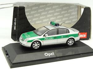 Schuco-1-43-Opel-Vectra-Polizei
