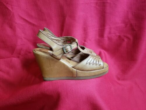 Vtg 1970s does 40s Leather Wedge Sandals Size 7.5… - image 1