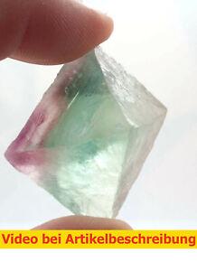 7299-ca4-5cm-polychromer-Fluoritspaltoktaeder-Fluorite-Octahedron-diamond-MOVIE