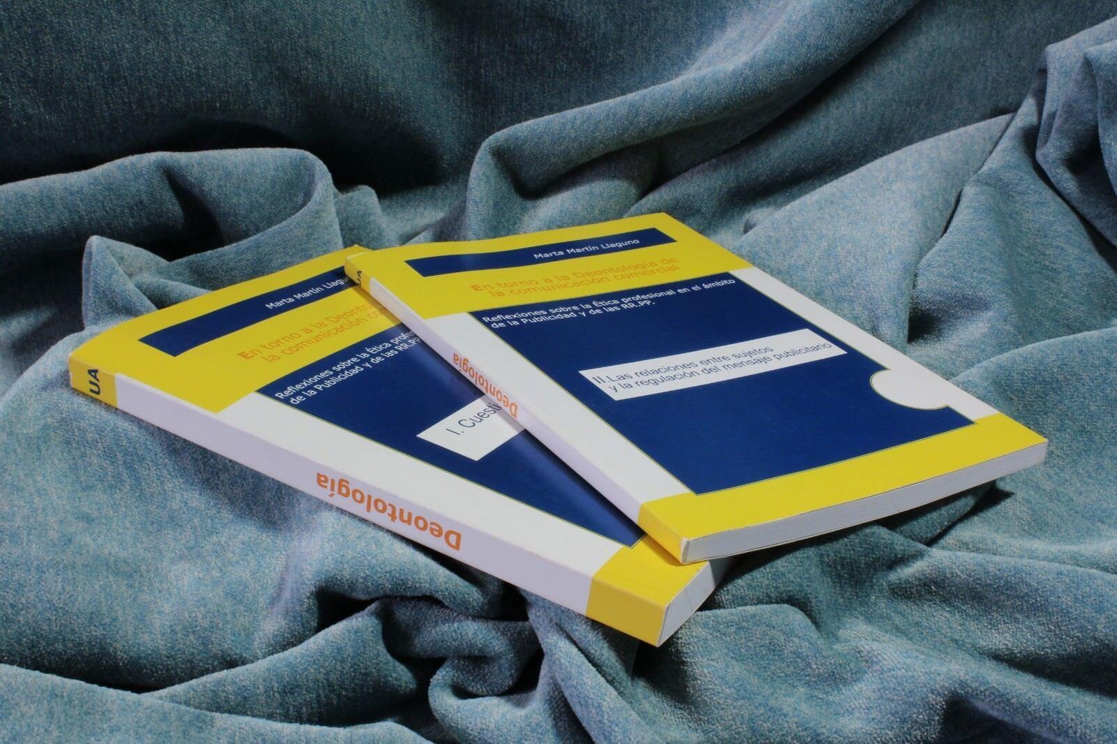 Libros En torno a la Deontología de la comunicación comercial. Tomo I y II