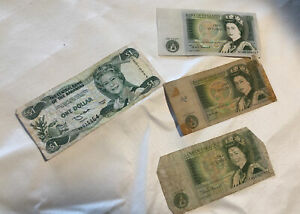 Lot of 3 Bank of England Queen Elizabeth II One Pound Notes Currency plus one