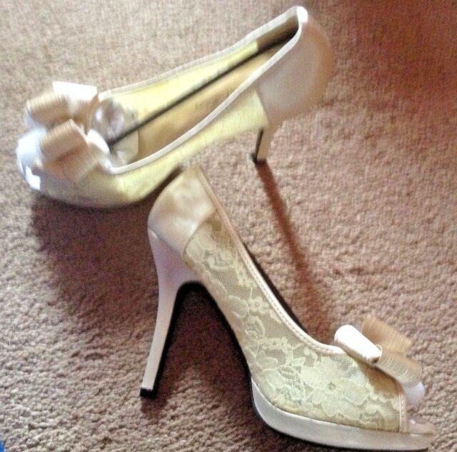 90e89f7cf9bf De Blossom Footwear HEELS Shoes Sz 8.5 8 1 2 Cailie Nude Satin Lace ...