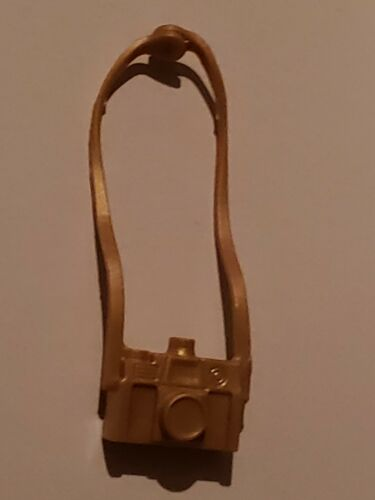 BARBIE DOLL ACCESSORY GOLD CAMERA W// NECK STRAP