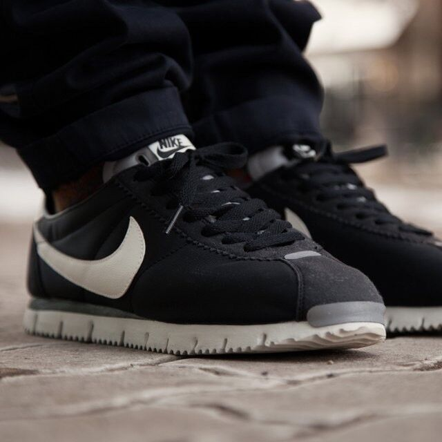 Nike Cortez NM QS Sz 10 Black Sail-Metallic Silver