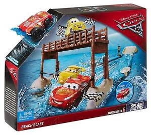 Disney-Pixar-Cars-3-Fireball-Beach-Blast-Playset-4-Lightning-Mcqueen-Water-Play
