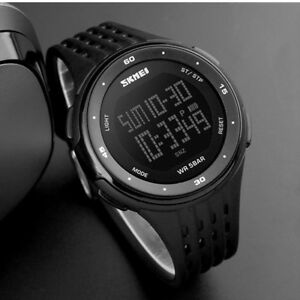 55a41807977a La imagen se está cargando Reloj-Deportivo-SKMEI -5ATM-Para-hombres-LED-Militar-