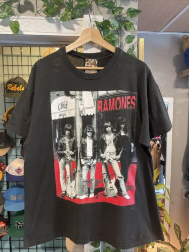 Vintage Ramones Band Tshirt Winterland