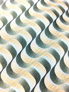 Van-Heusen-100-Silk-Pale-Gold-amp-Green-Striped-Men-039-s-Necktie-58-034-X-4-034-034