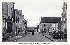 49-L-039-Hotellerie-de-Flee-Rue-Principale-Citroen-Traction