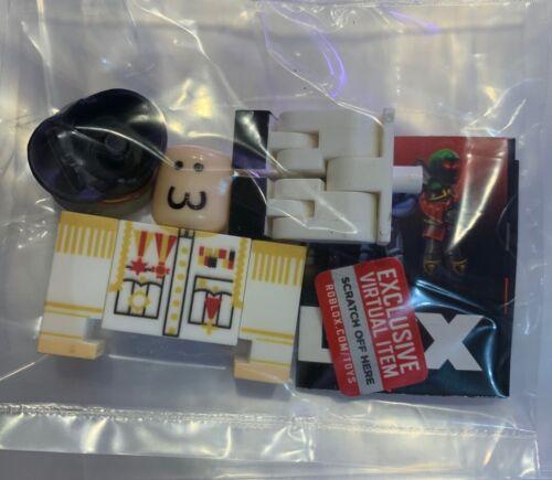 Le capitaine Inyo 22 ROBLOX Mini Figure avec jeu virtuel code Series 7
