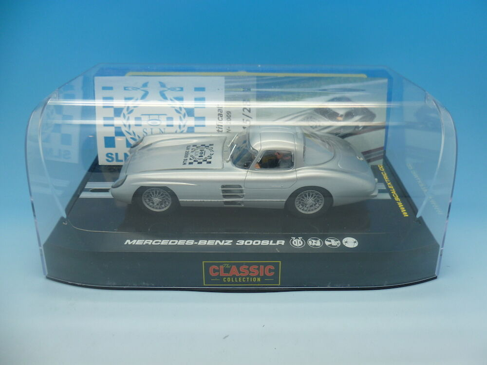 Scalextric C2914 Mercedes 300 SLR Coupe SLN 2009 15 28