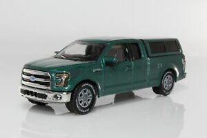 2015 Ford F-150 Pickup Truck XLT with Bed Cover 1:64 Scale Diorama Diecast Model