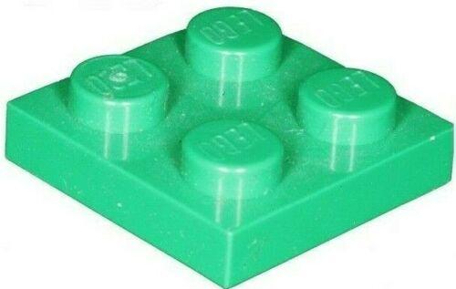 Missing Lego Brick 3022 Green x 8  Plate 2 x 2