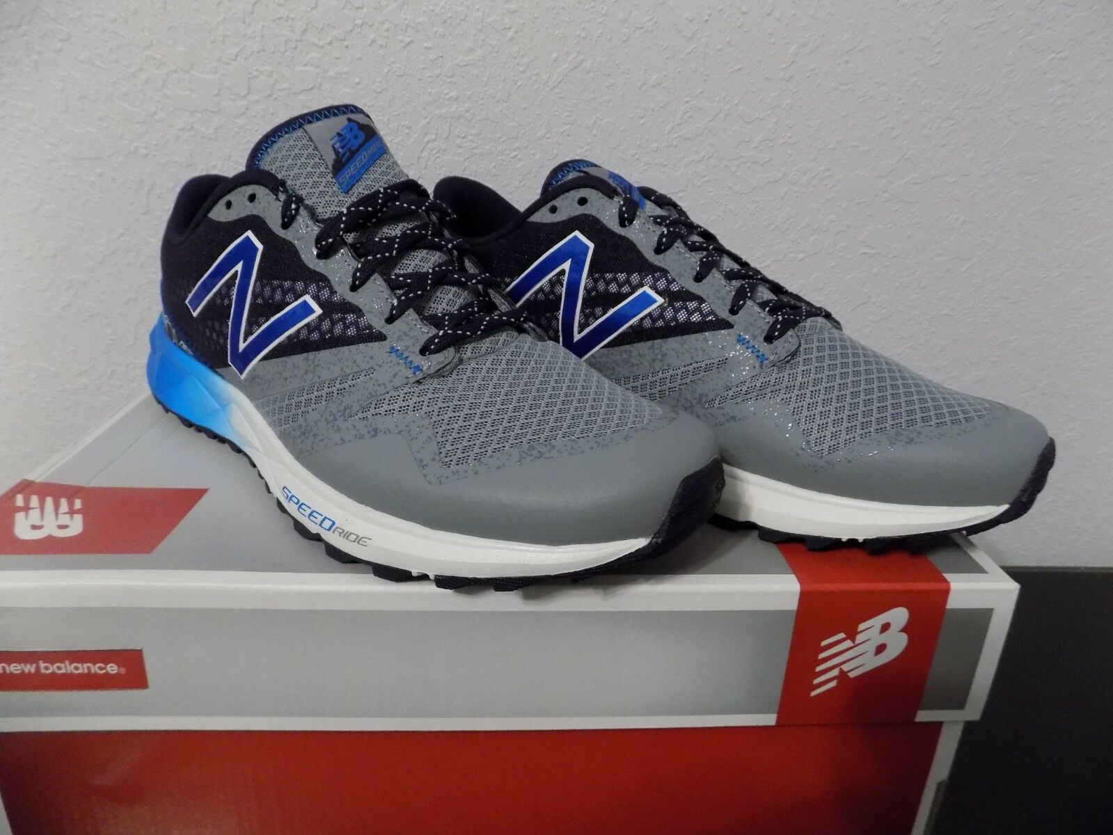 NEW BALANCE 690 SERIES GREY MT690RG1 RUNNING MEN SHOES Sz 9 Med NIB