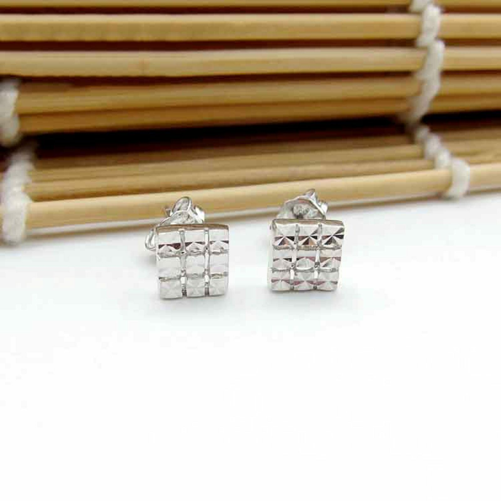 PT950 Pure Platinum 950 Earrings   Women Craved Square  Stud Earrings  2.21g