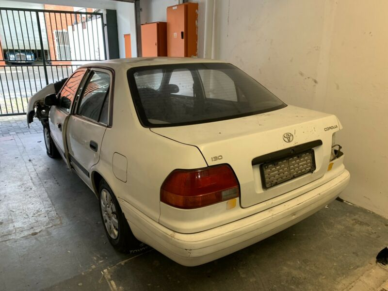 Toyota Corolla breaking for spares