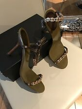 Gucci Strappy Green/Beige Leather Gold Chain Detail Size 6 / 39