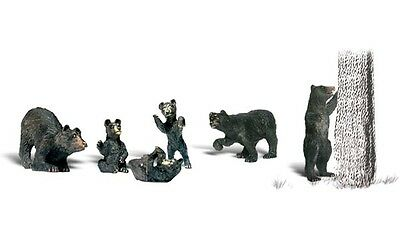 Black Bears AS 1885 HO Scale Woodland Scenics animals figures model trains new