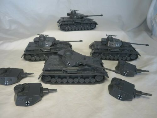 WWII GERMAN Panzer Tank x 4 Classic Toy Soldiers COMBO Group