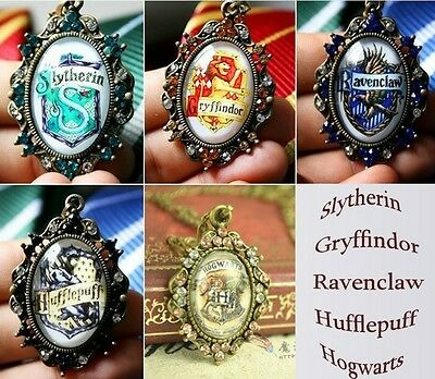 Harry Potter Gryffindor Hufflepuff Ravenclaw Slytherin logo necklace Collectible