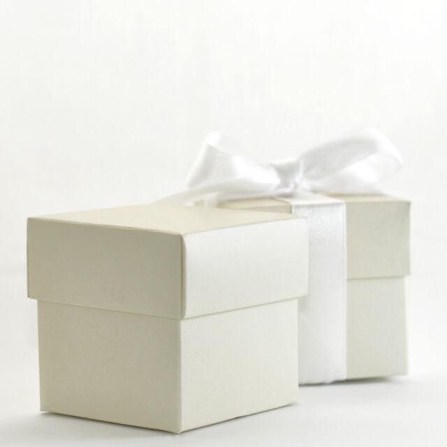 50 LUXURY LINED IVORY WEDDING CHRISTENING  FAVOUR MINI CUPCAKE MACAROON BOX