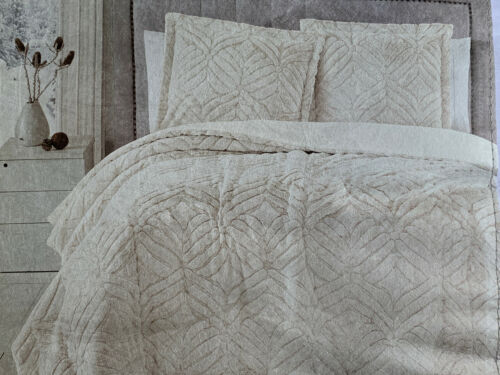 Birch Manor Plush Faux Fur Queen Luxury Comforter Set Ivory 90
