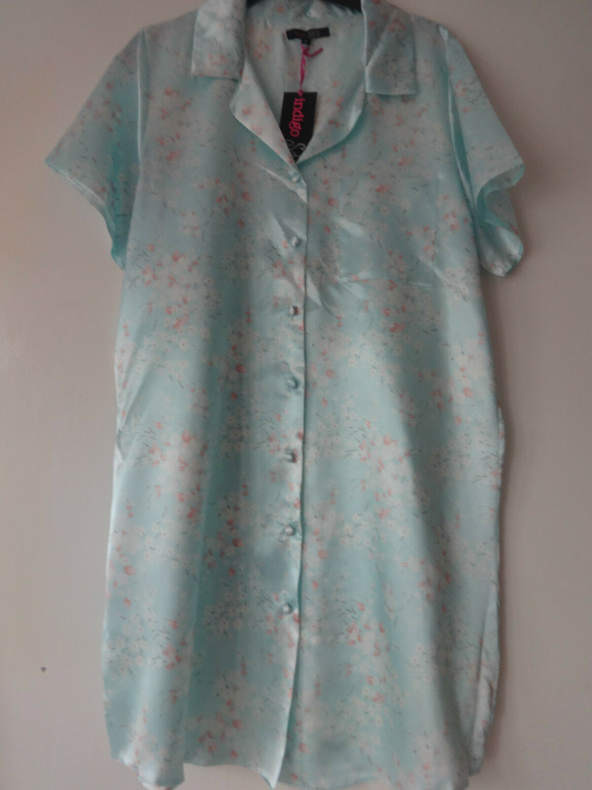 Ladies Short Sleeve Satin Nightshirt//Nightdress Mint Green sizes 10 /&12 only