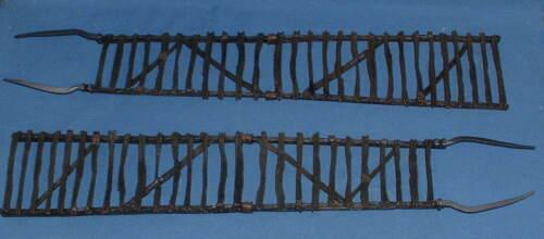 Play Along Helms Deep Uruk-Hai siege échelles x 2 pièces de rechange LOTR insonorisées