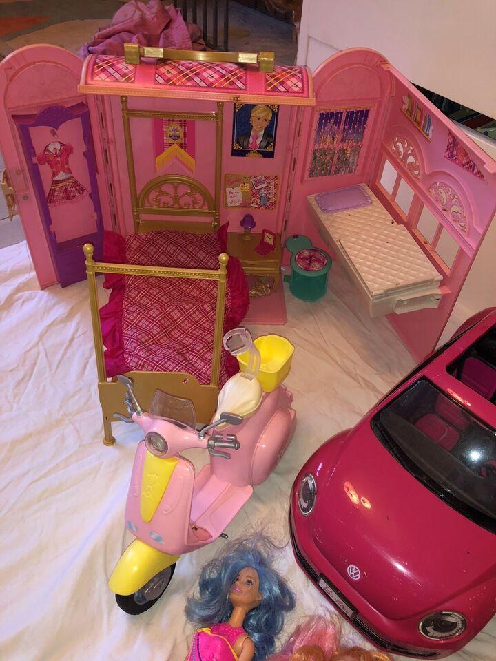 Barbie, Barbiedukkehus, biler