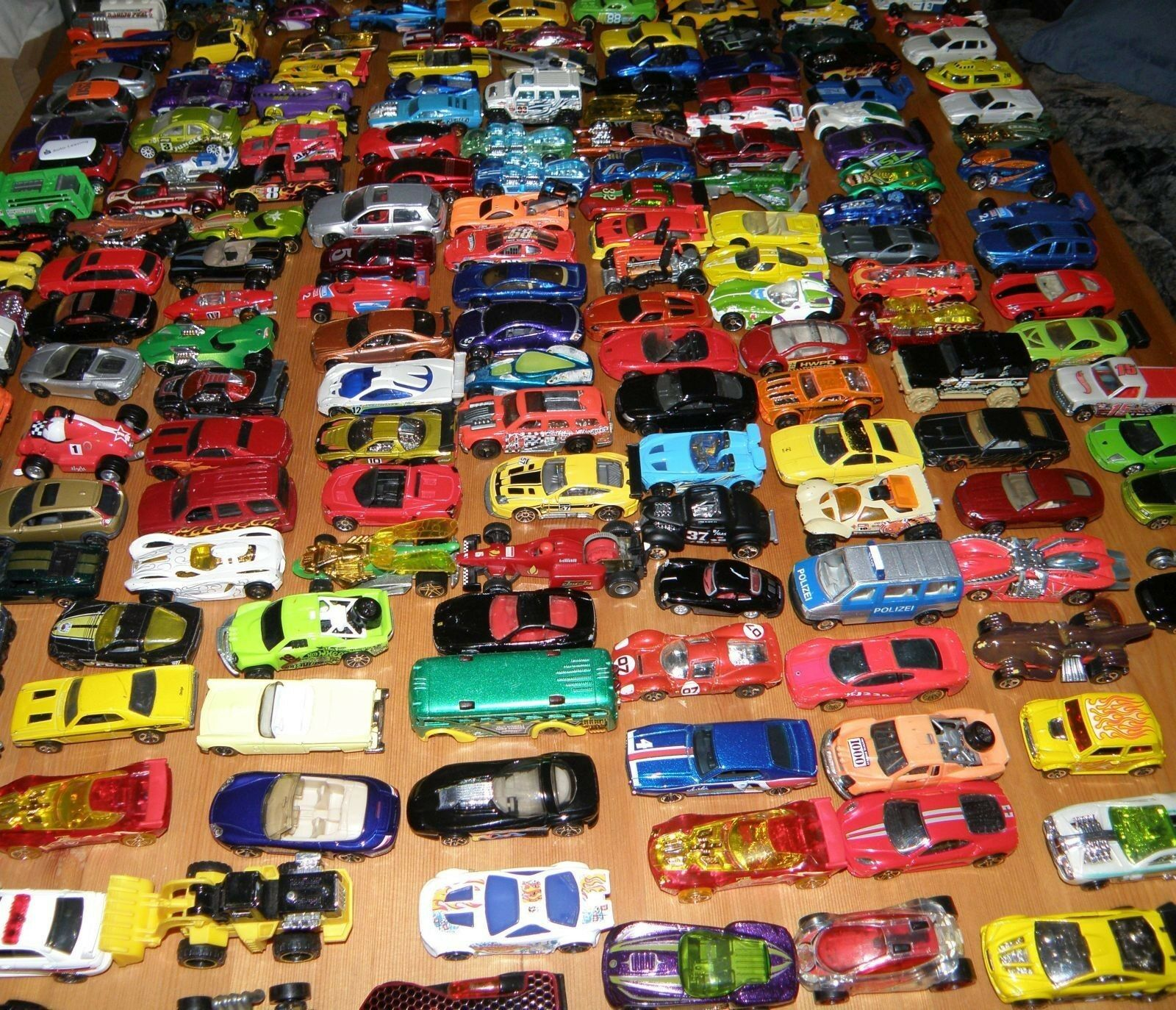 75 Spielzeugautos Autos Hot Wheels Matchbox Welly Majorette Siku Guter Zustand! Autos