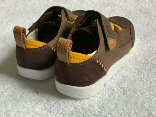 G//F Fitting New Clarks Boys TRI DASH Brown Combi Leather First Boots