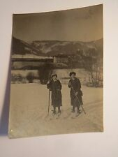 Steinhaus am Semmering am 8. Februar 1914 - 2 Frauen auf Ski / Foto